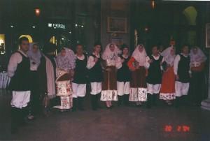 20-02-2004 gruppo folk di Osilo03a