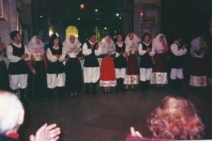 TV 2004 gruppo Folk di Osilo (SS) e coro Alpini di Preganziol01