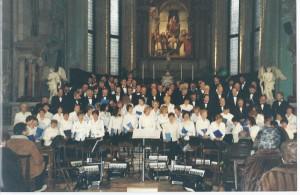 chiesa di Dosson coro polifonico con membri del Circolo Sardo