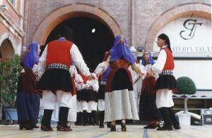 Treviso P.zza dei Signori esibizione folkloristica del gruppo Folk di Usini (SS)