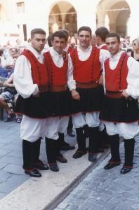 luglio 1999 Treviso gruppo folk di Usini (SS)02